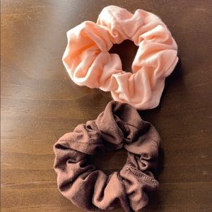 Accessories - 2 Small Scrunchies